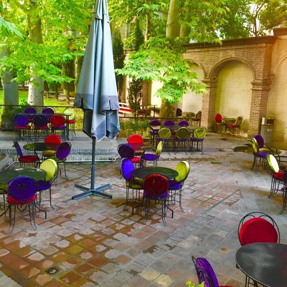 کافه چای بار - محل نشستن -کافه های روباز تهران - دیدو