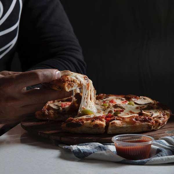 پیتزا چمن - بهترین پیتزا فروشی های تهران