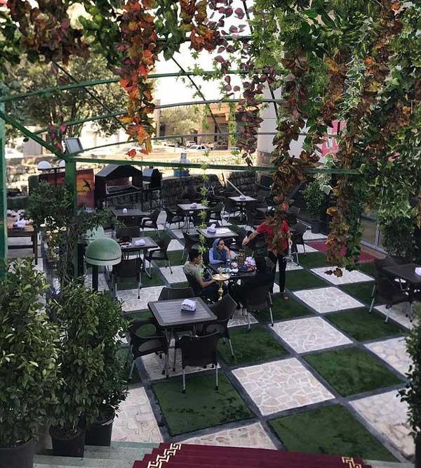 کافه رستوران پاسارگاد - بهترین کافه های روباز شمال تهران