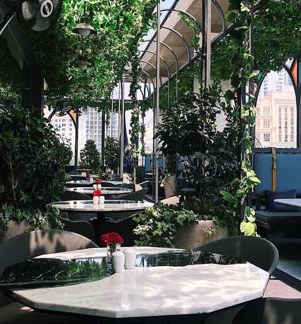 فضای داخل رستوران بومی 2
